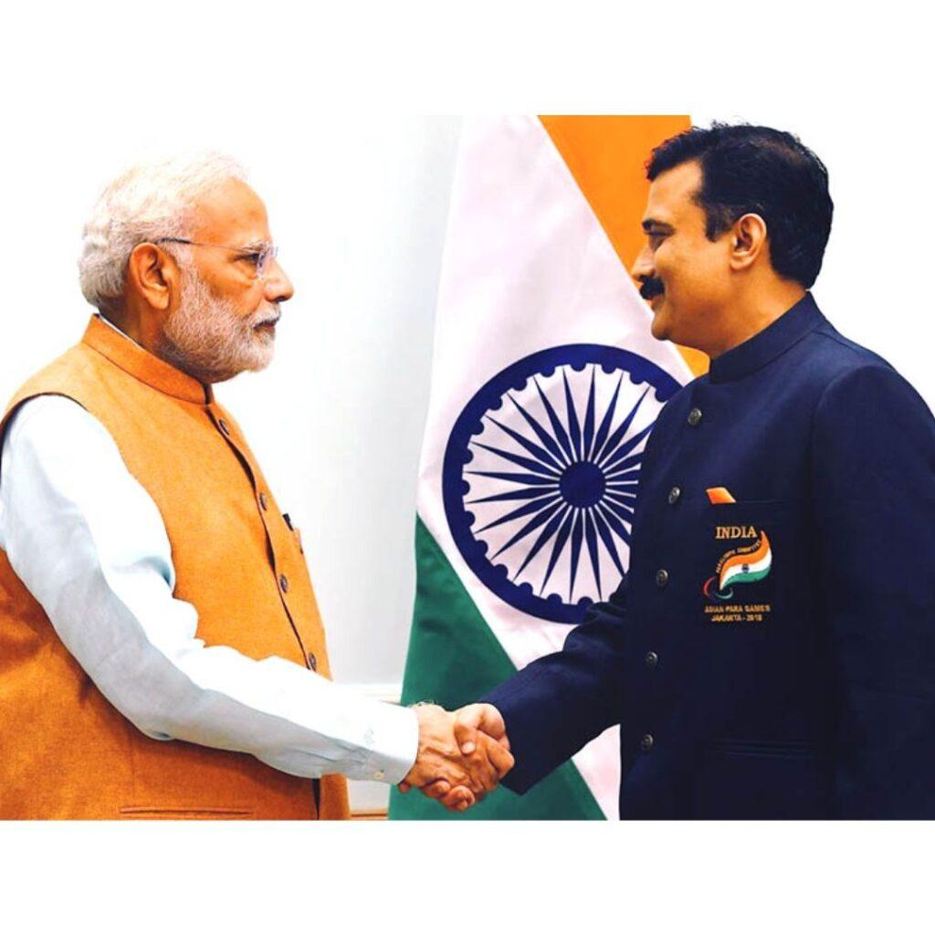 Gaurav Khanna with PM
