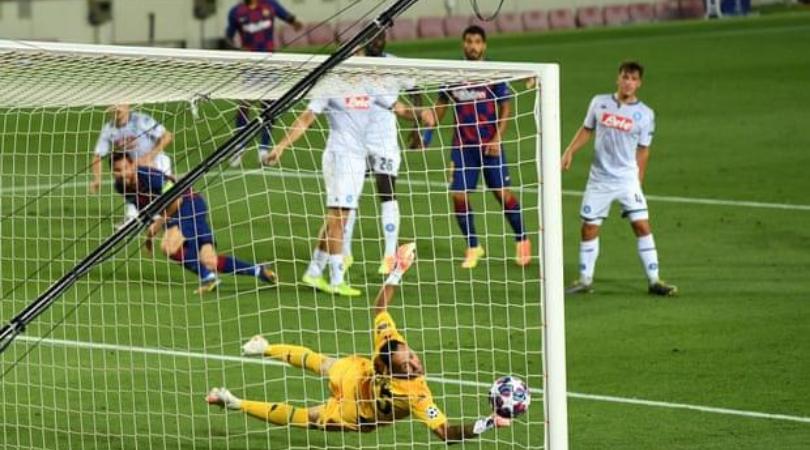 Lionel Messi goal vs Napoli 1 - FirstSportz
