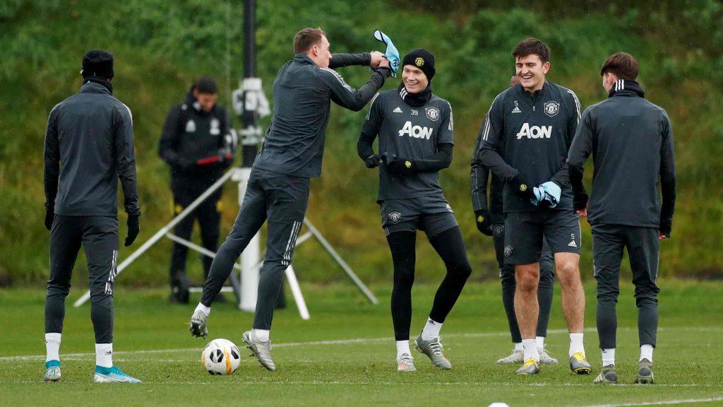 Manchester United Training - FirstSportz