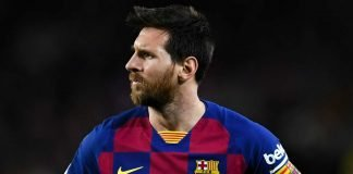 Messi to stay at Barcelona