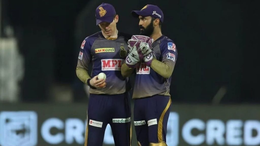 Eoin Morgan and Dinesh Kartik