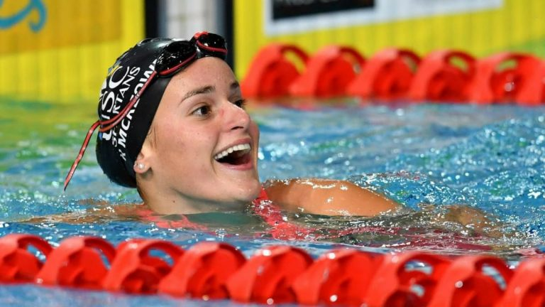 Kaylee McKeown Breaks 200m Short-Course Backstroke World ...