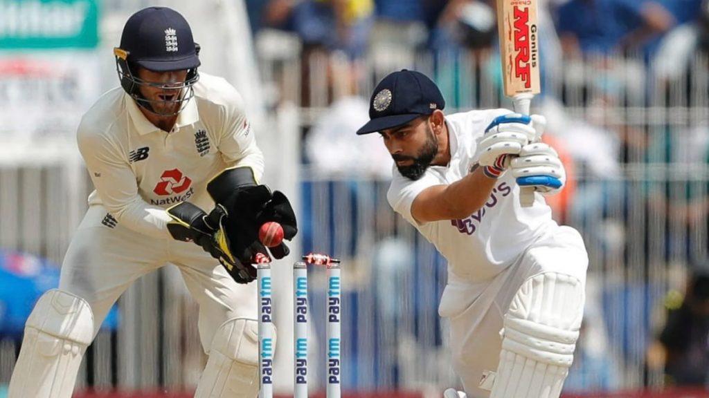 Virat Kohli bowled