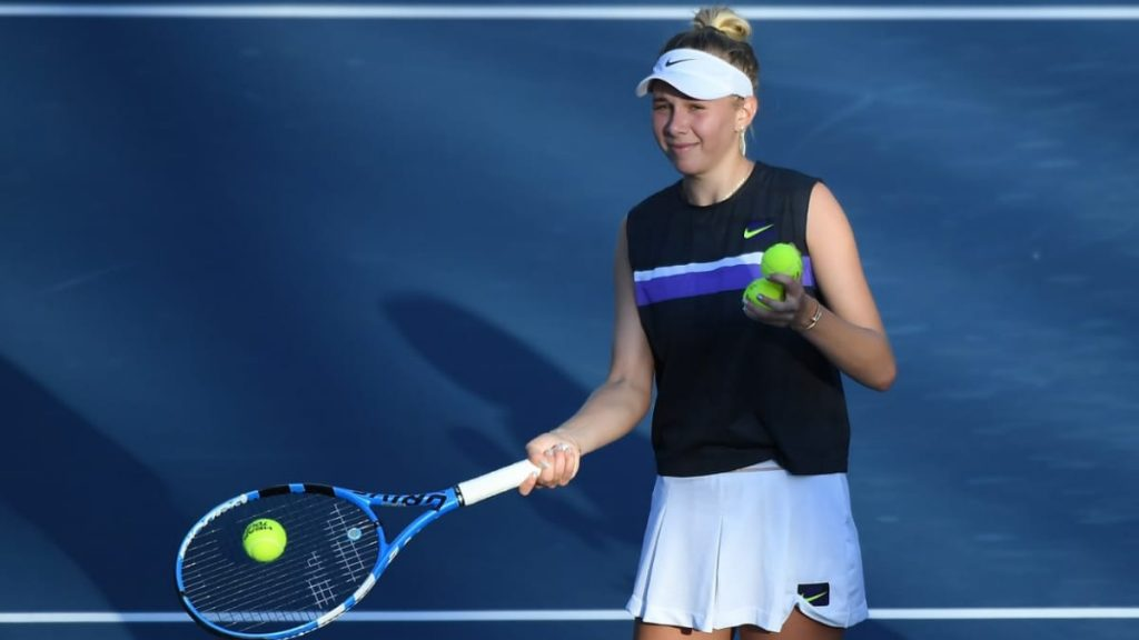 Amanda Anisimova will be the favourite in her 2nd round match against Sloane Stephens at the WTA Miami Open 2021.