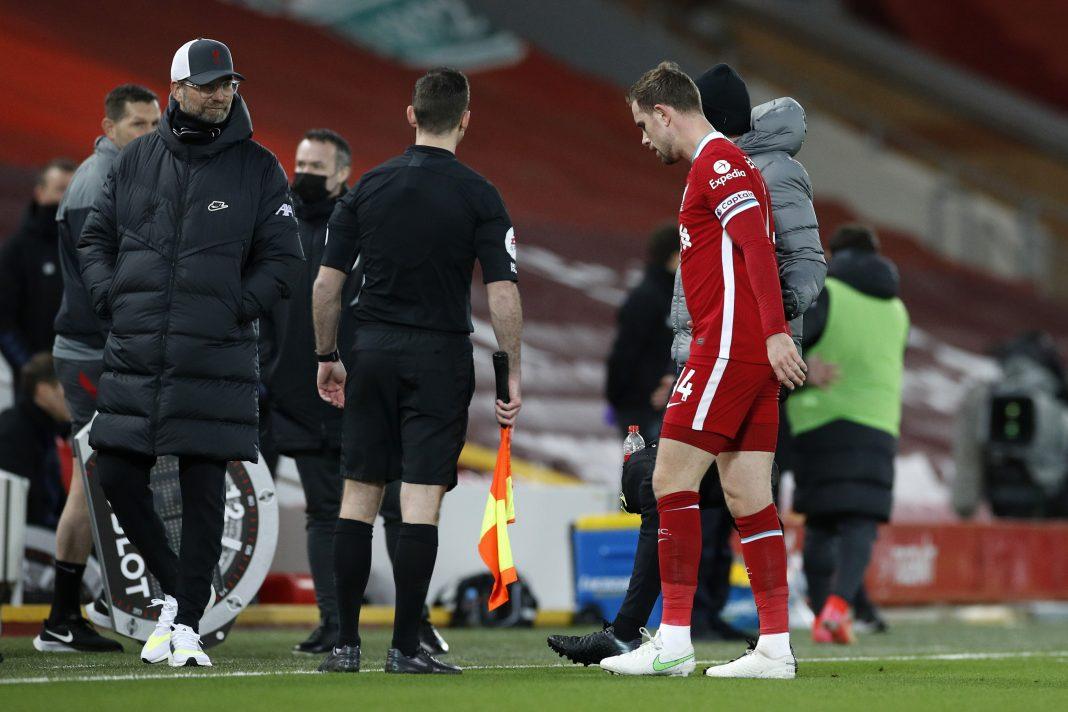 ordan Henderson injured for Liverpool against Everton
