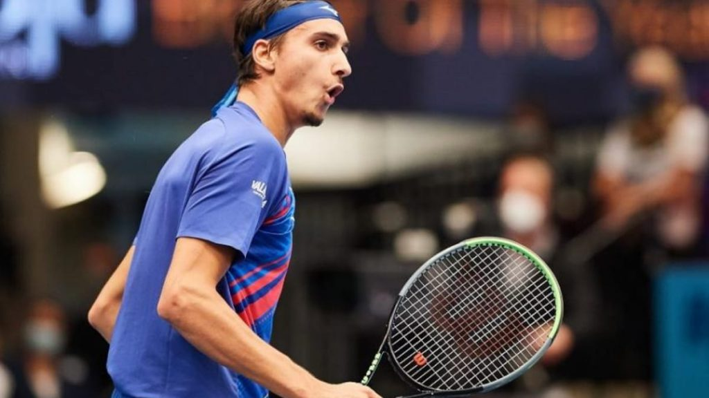 Lorenzo Sonego will be the favourite in the upcoming Daniel Galan vs Lorenzo Sonego tie at the Miami Open