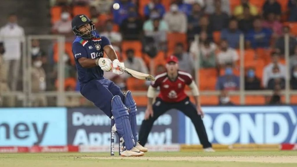 Rishabh Pant reverse sweep