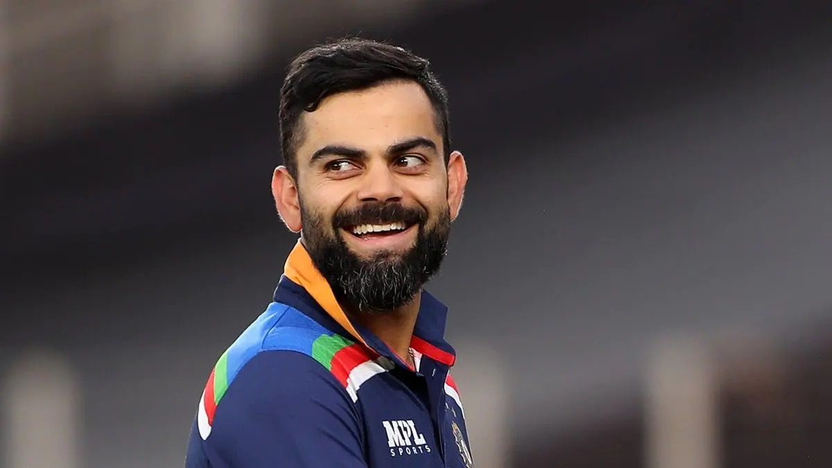 Virat Kohli Gets Ignored By Umpire Nitin Menon When He Tries to Analyse A Wide Ball Call