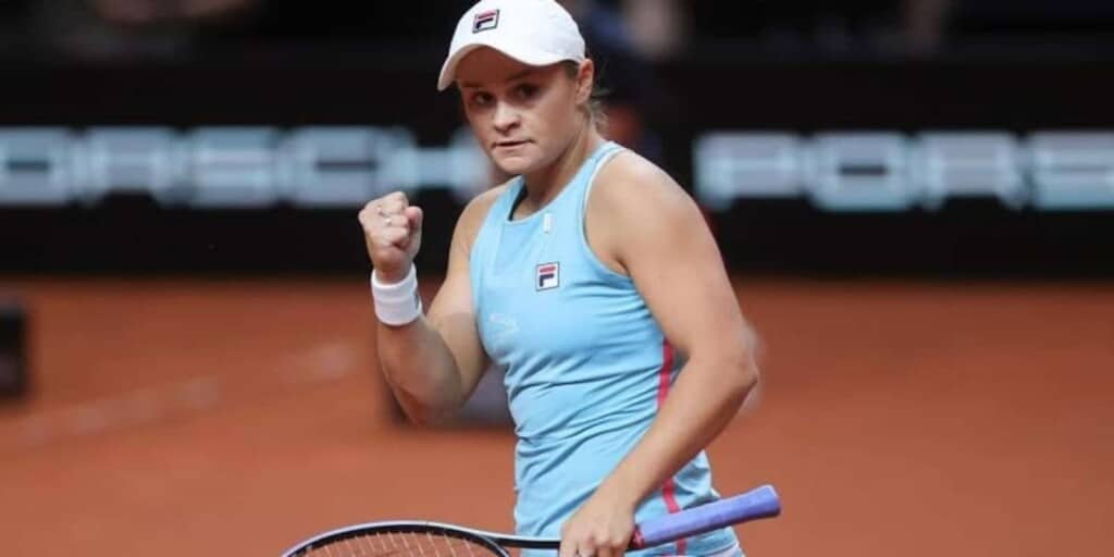 Ashleigh Barty will be the favourite in the upcoming Ashleigh Barty vs Iga Swiatek clash at the WTA Madrid Open 2021.