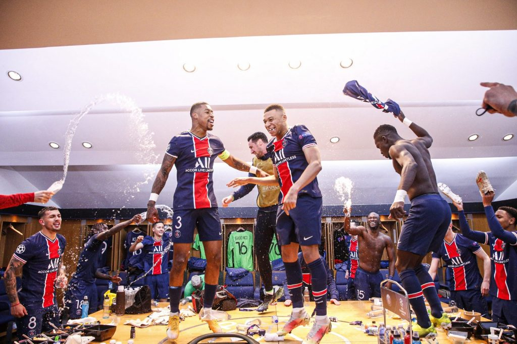 Paris players celebrate their win over Bayern