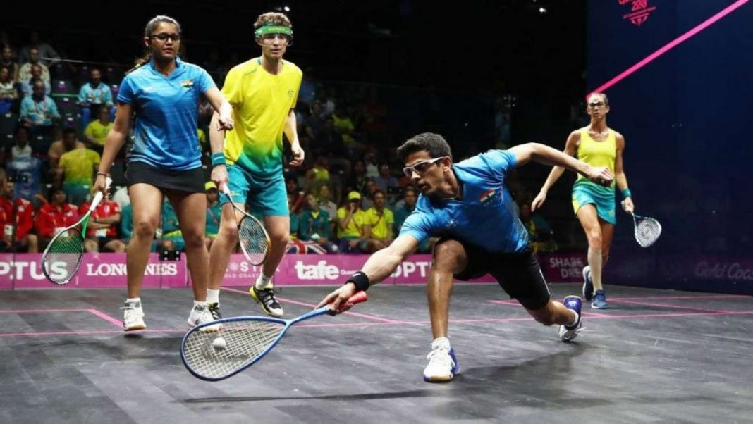 Squash mixed doubles match