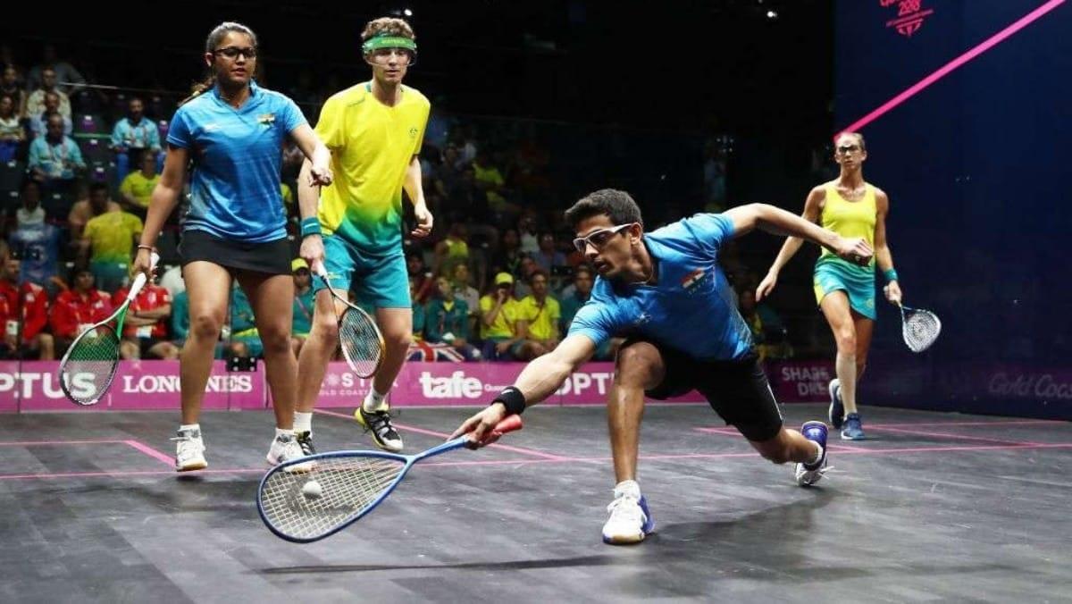 Squash mixed doubles match
