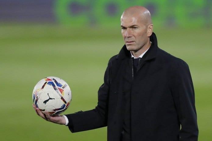zinedine Zidane still keeps his hopes alive about his side's La LIga title chances
