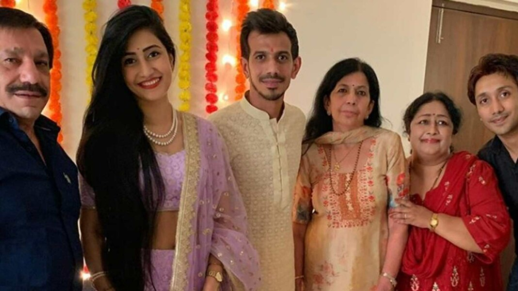Yuzvendra Chahal with his family members