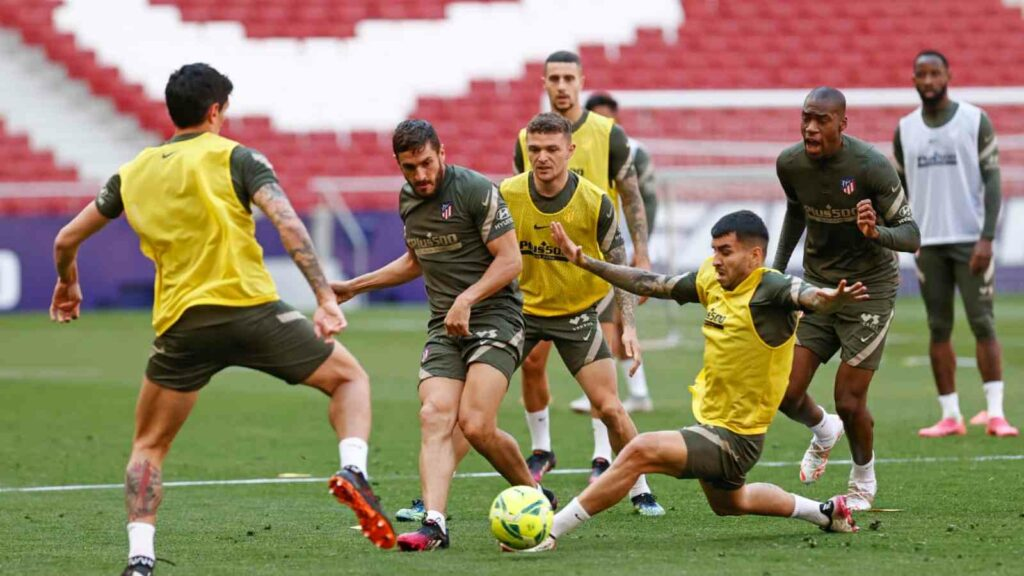 Atletico players training ahead of FC Barcelona match - FirstSportz
