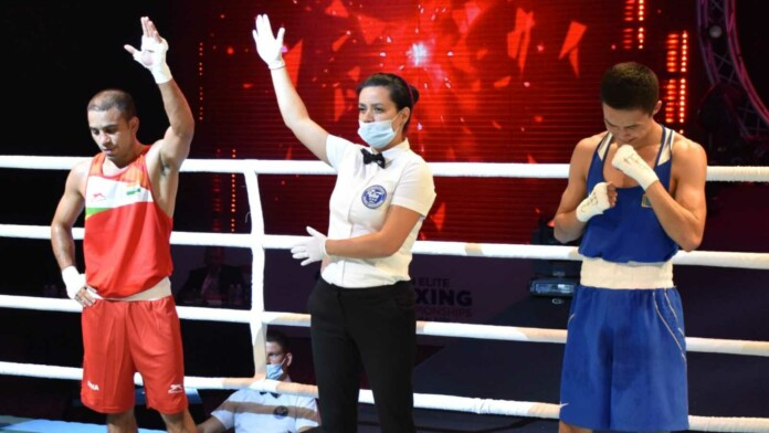 Amit Panghal wins his semi final bout