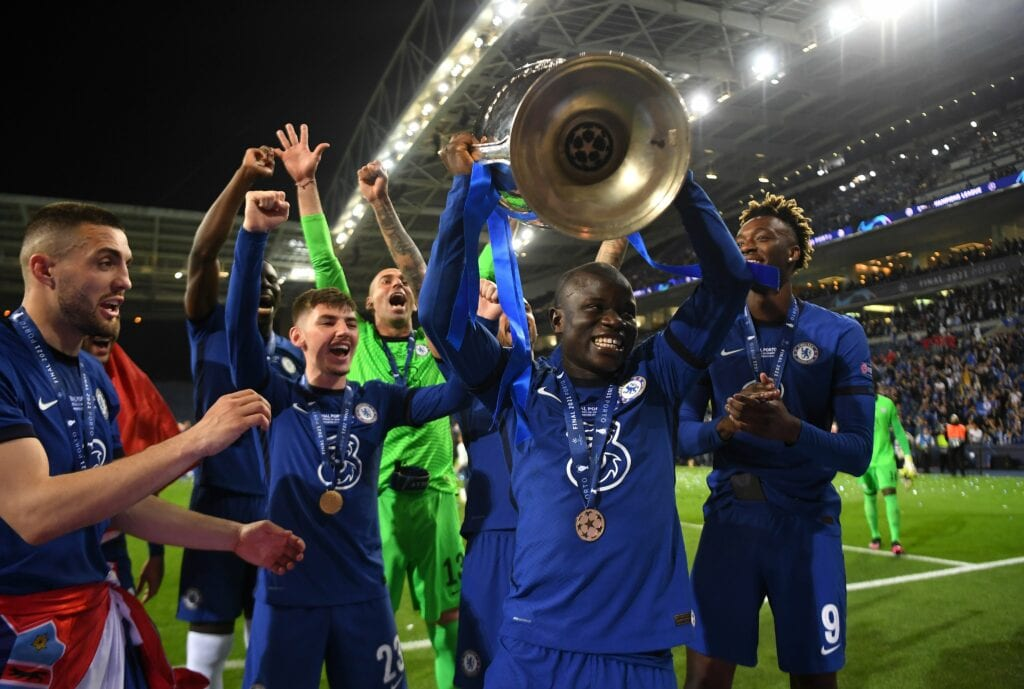 N'Golo kante with the trophy