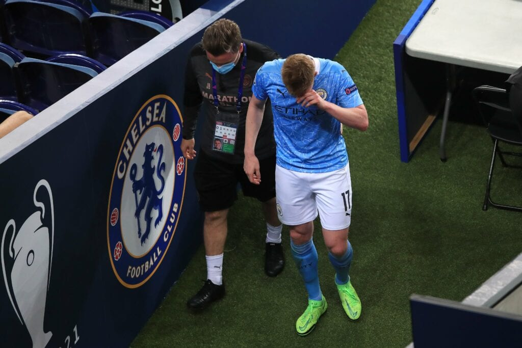 De Bruyne walks of the field distraught after the injury