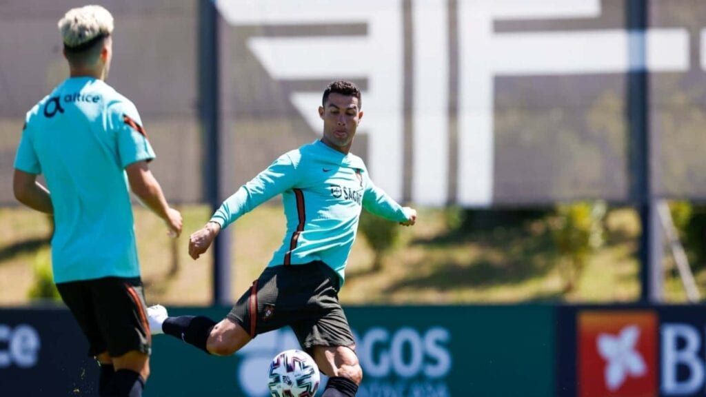 Ronaldo will decide his future after the Euros