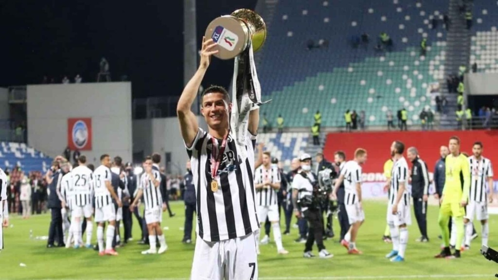 Cristiano Ronaldo has reportedly told the Juventus dressing room that he intends to leave the club this summer.