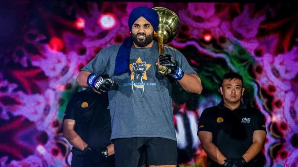 Arjan Singh Bhullar challenges Bobby Lashley