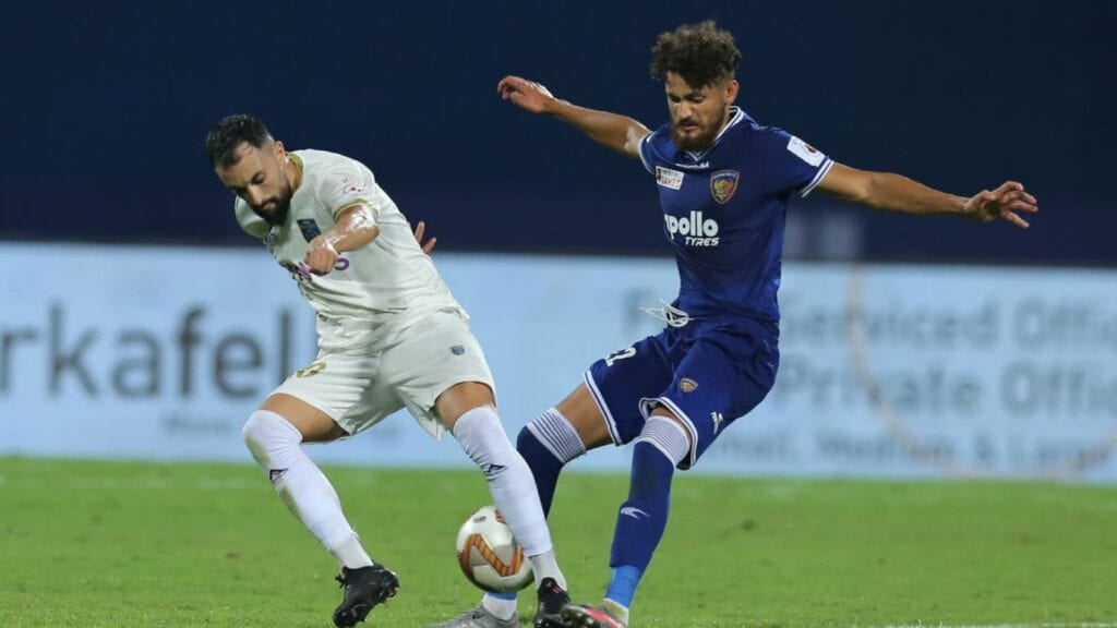 Deepak-in-action-for-his-former-club-Chennaiyin-FC