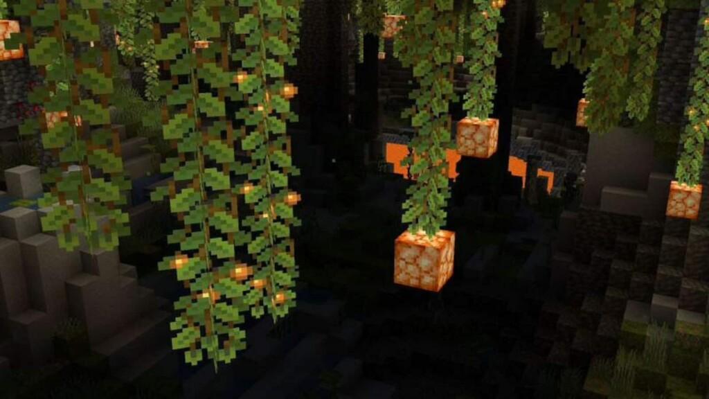 Glow Berries in Minecraft