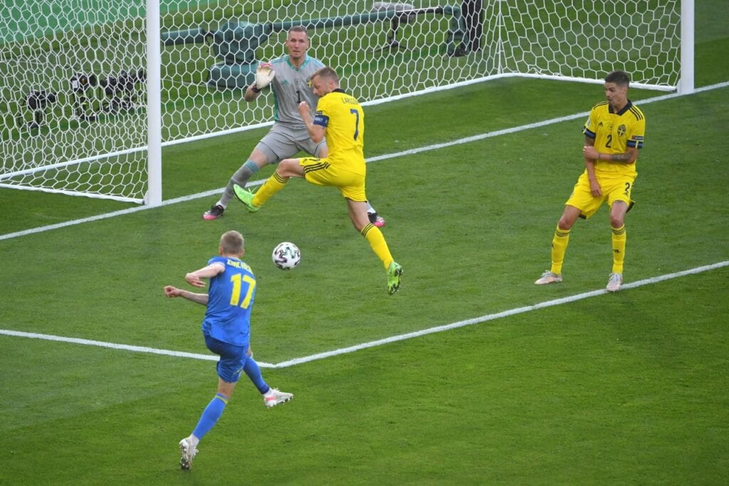 Zinchenko's strike for the first goal