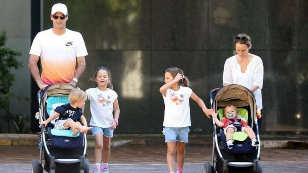 Roger Federer with his kids