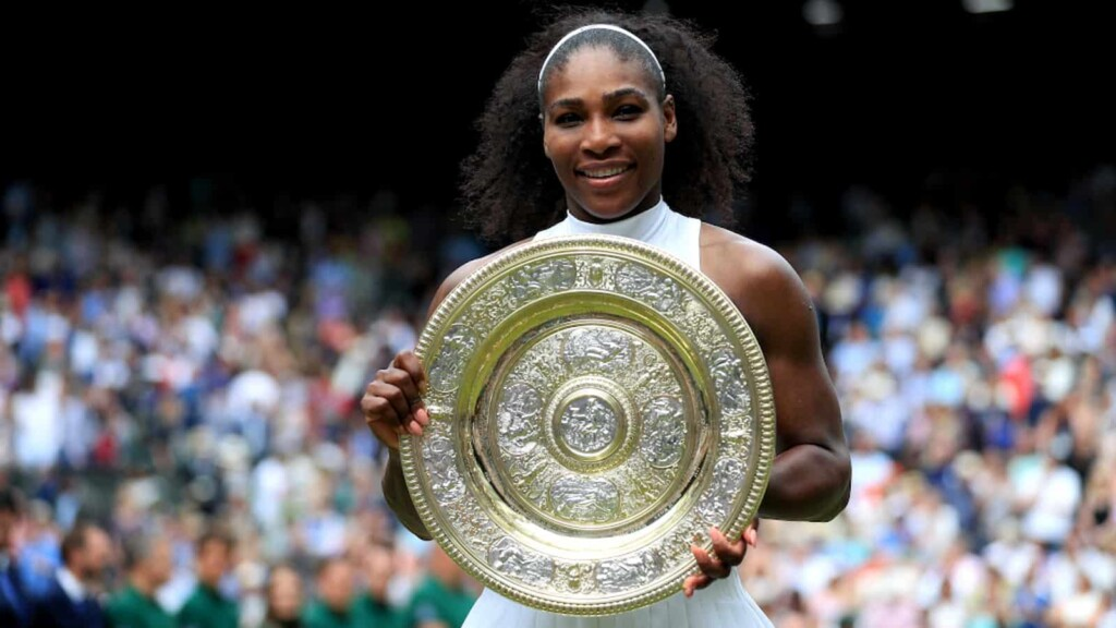 Serena Williams with her 2016 Wimbledon Trophy