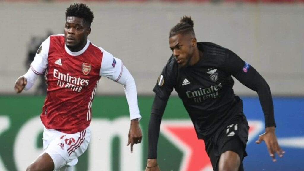 Tavares in action for Benfica against his new club Arsenal in the Europa League