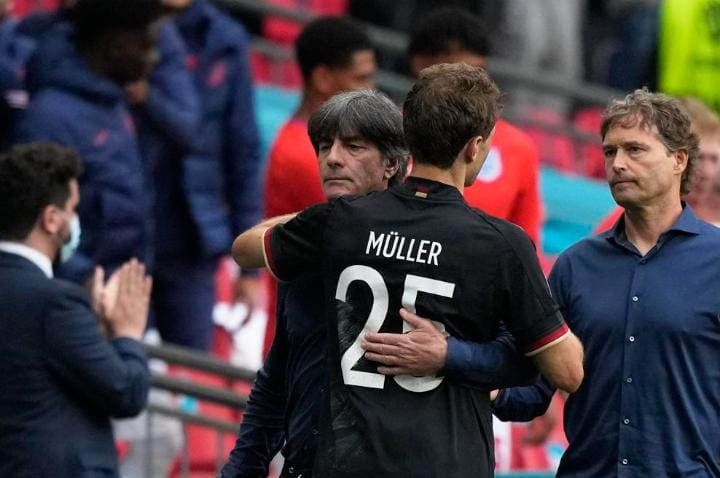 Muller missed an open chance