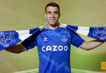 Irish defender Seamus Coleman signs a new contract with club Everton