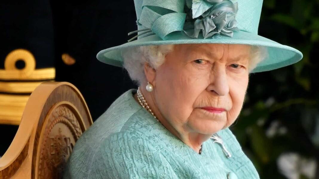 Queen_Elizabeth_Boris_Johnson_Prince_William
