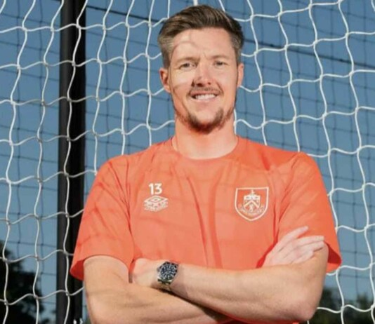 OFFICIAL: Burnley FC confirm signing of shot stopper Wayne Hennessey
