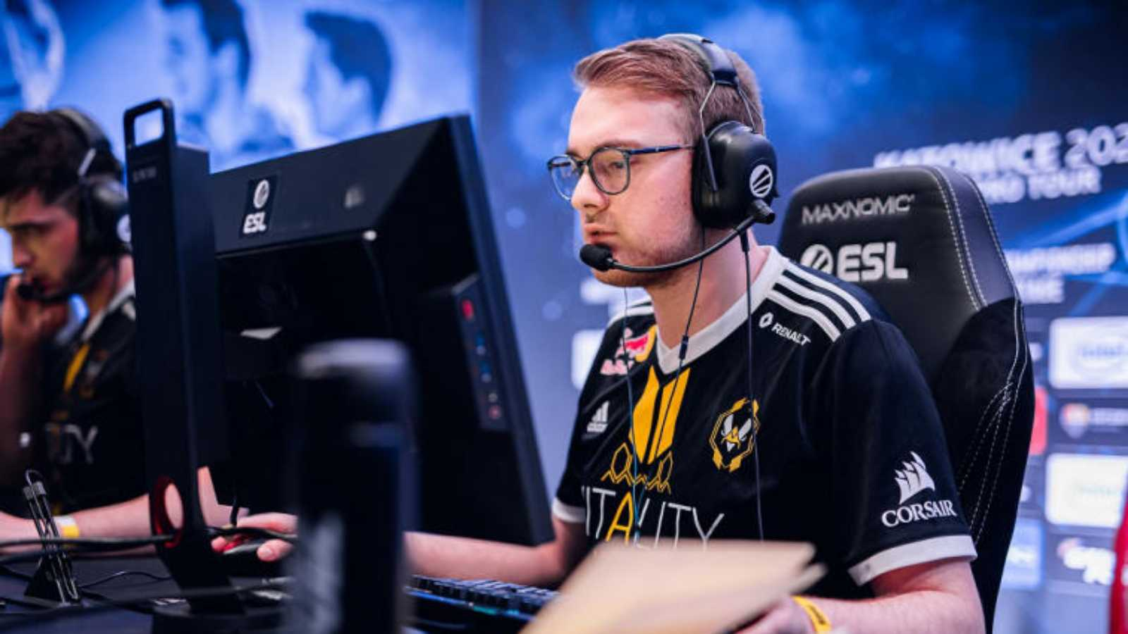 ALEX and Mezii Might Join Fnatic