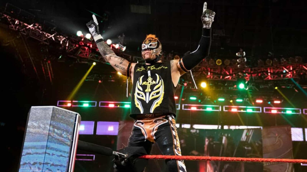 Rey Mysterio wife has been supporting her husband in WWE multiple times