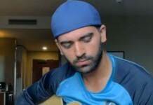 Deepak Chahar guitar