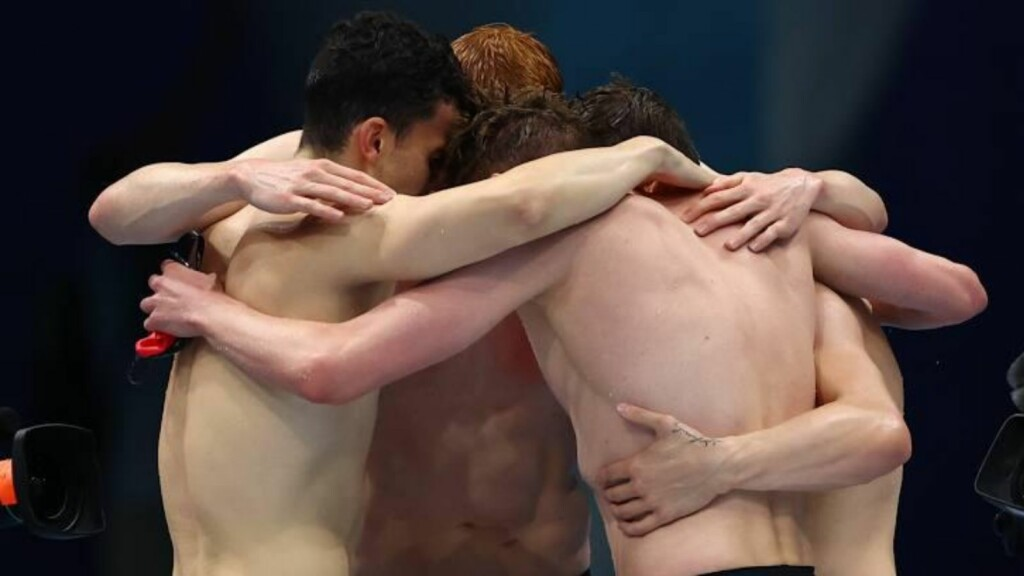 Swimming at Tokyo Olympics: Team GB celebrate their 4x200m freestyle relay win