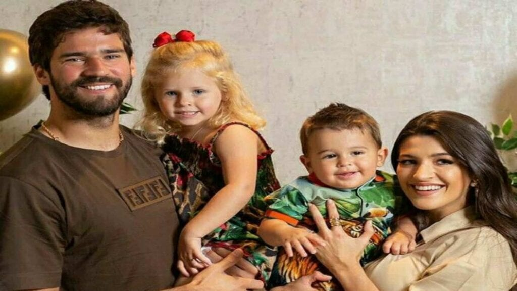Alisson is a father of three kids- a daughter and two sons