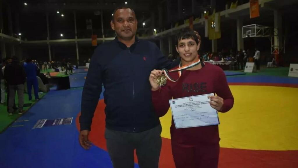 Anshu Malik with father Dharamvir Malik