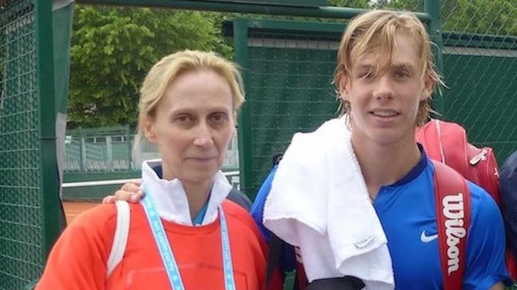 Foto de Denis Shapovalov  & su  Madre  Tessa Shapovalova