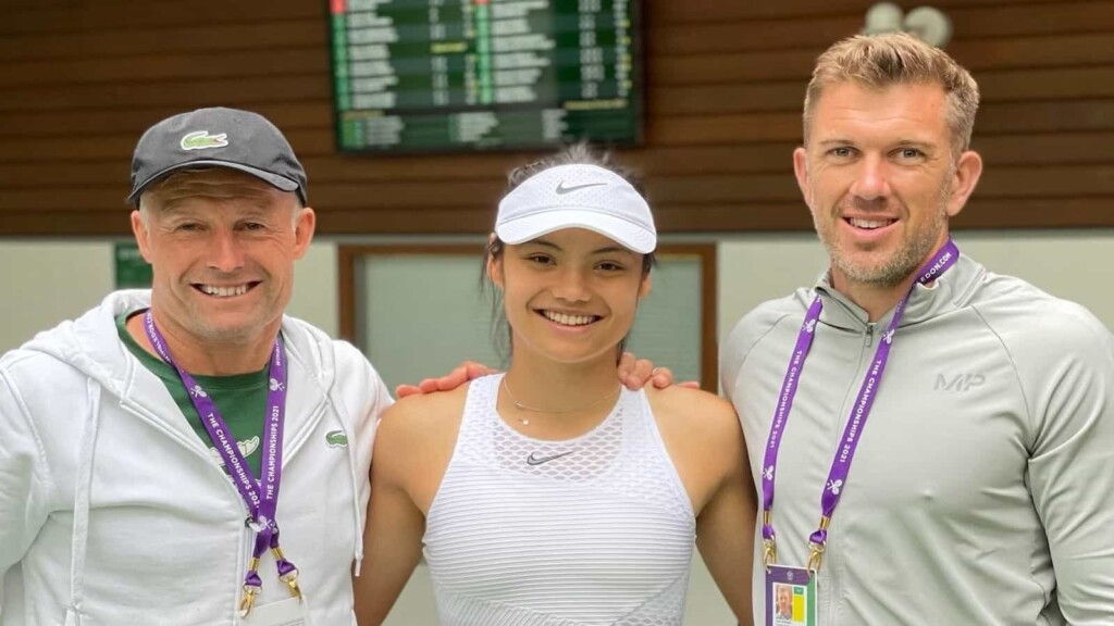 Emma Raducanu with Nigel Sears and her manager