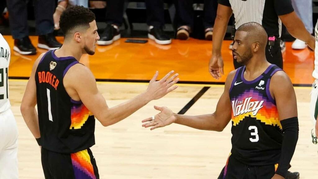 Phoenix Suns' fans flip off Milwaukee Bucks