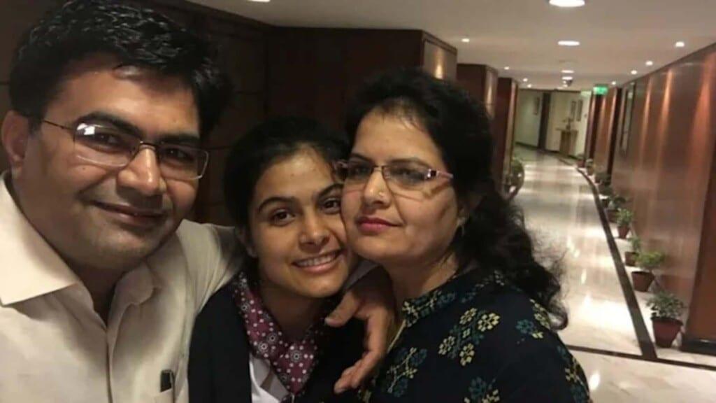 Manu Bhaker parents
