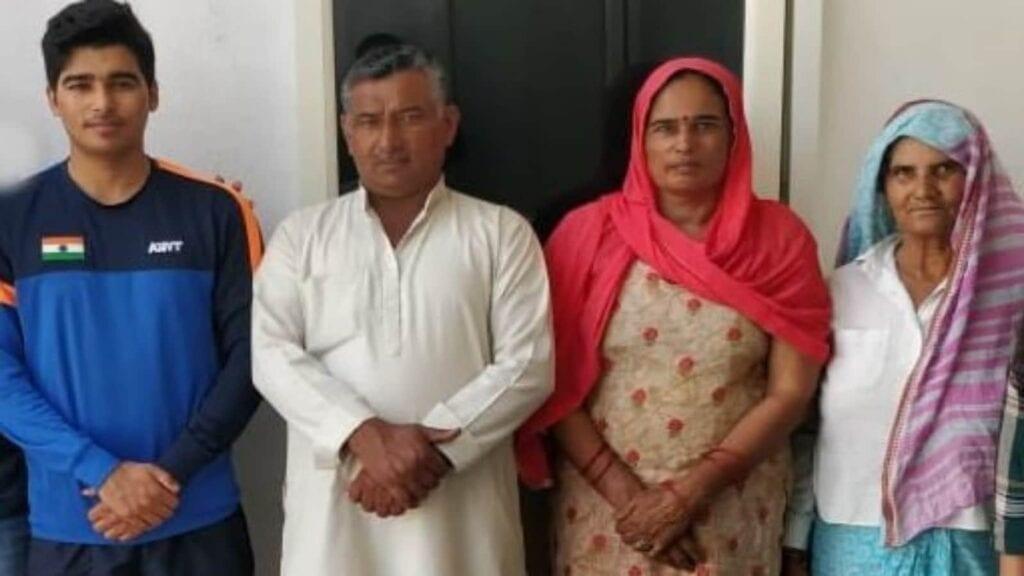 Saurabh Chaudhary's Parents