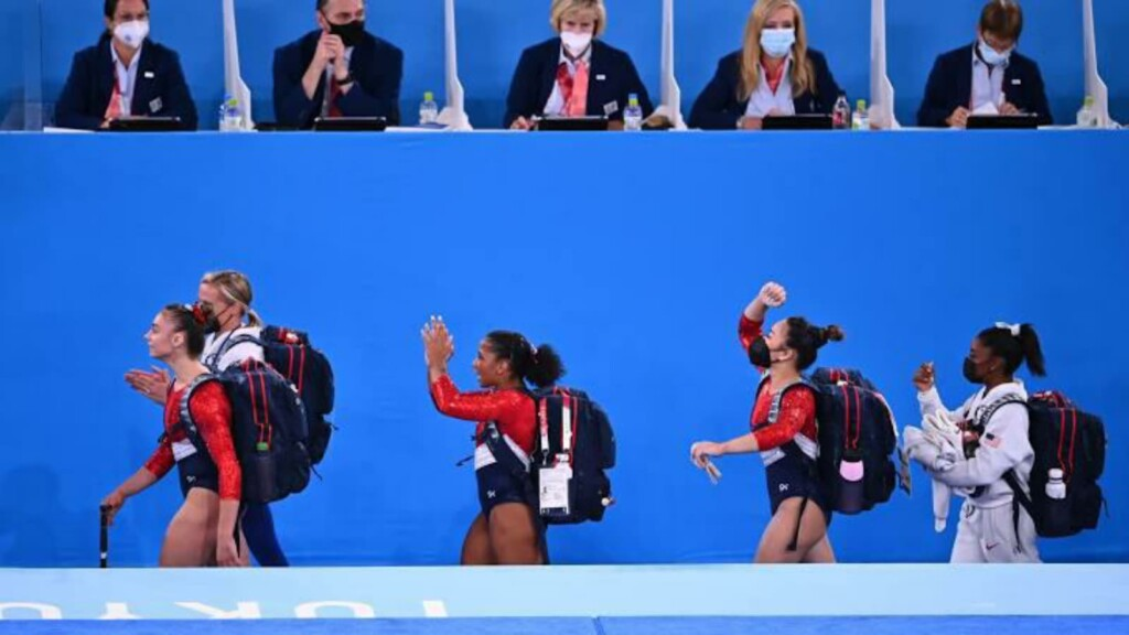 Team USA at women's team all around final
