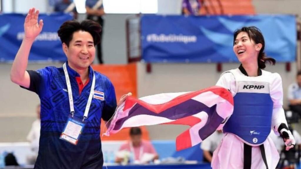 Wongpattanakit and her coach
