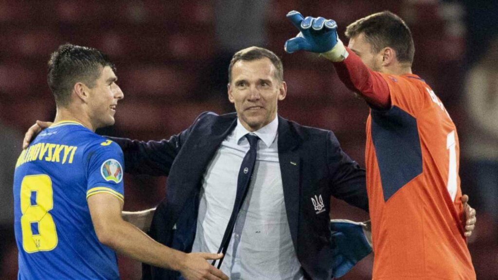 Shevchenko with his players at the EURO 2020 - FirstSportz