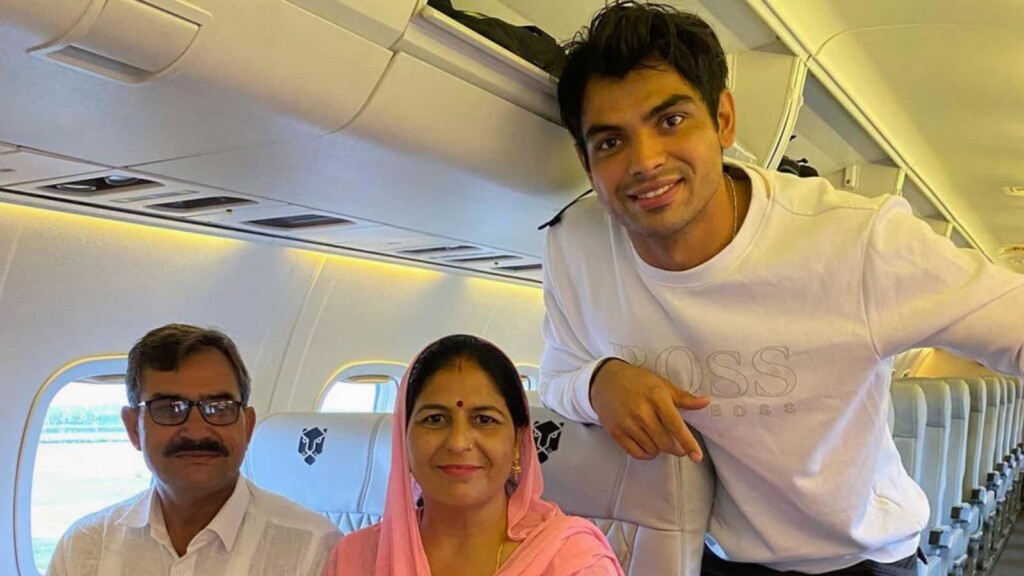Neeraj Chopra with his parents